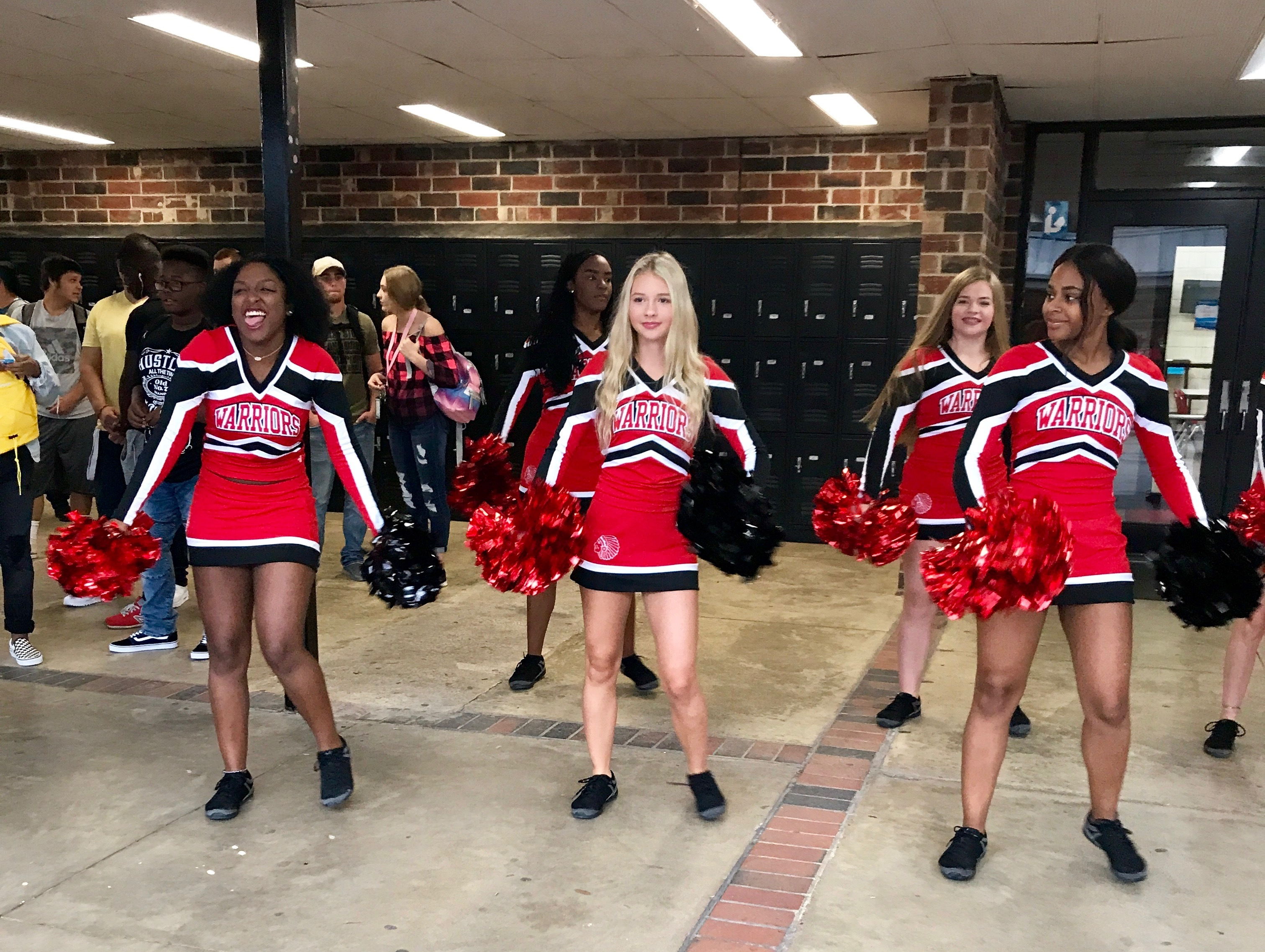 1st Day Pep Rally Cheerleaders